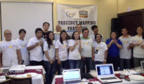 Blogger Mappers pose with Google peeps Aileen Apolo-de Jesus and Chelle Gray who are very much happy of  the map your precincts output!